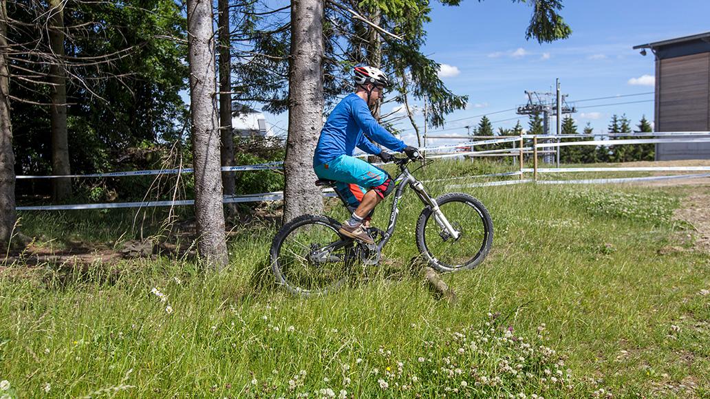 Bergauf über Kante, Manual und Wheelie, Fahrtechnik